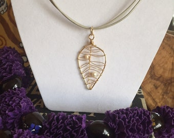 Intricate Leaf Wire-worked Pearl Necklace
