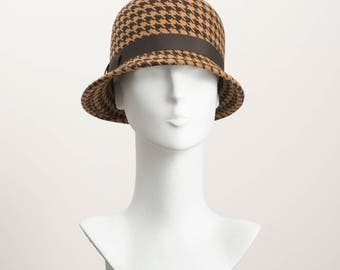 Brown Houndstooth 1920's style felt Cloche Hat