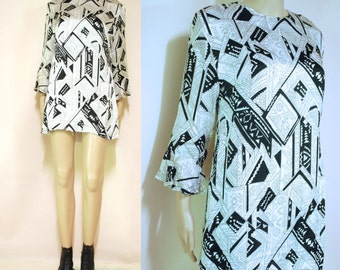 Abstract Black And White Dress Zig Zag Print 70s Vintage Avant Garde Art Print Seventies Retro Vtg 1970s Size S-M Small Medium