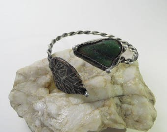 Bracelet with dark jade