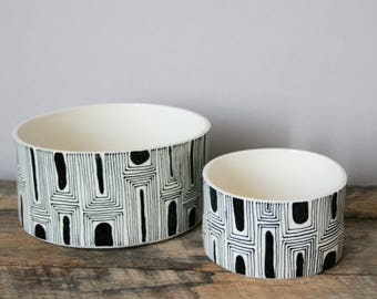 Black and White Bowl Set