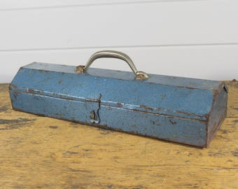 Industrial Blue Rusty Metal Tool Box, Vintage Toolbox, Vintage Tool Chest, Latches, Industrial Decor, Wide Toolbox, Blue Decor, Blue Metal