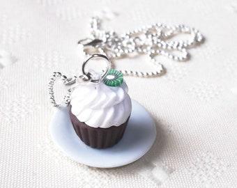 Kiwi Cupcake Necklace ( polymer clay food chocolate cupcake kawaii cute food jewelry miniature food cupcake jewelry funky jewelry )