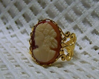 Jane Austen Ring, Vintage Cameo, Gold  Filigree Cameo Ring, Adjustable Ring, Librarian Gift, Reading, Regency Era, Victorian Woman