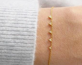 Triangle Bracelet | Tiny Gold Triangle Bracelet | Dainty Gold Bracelet