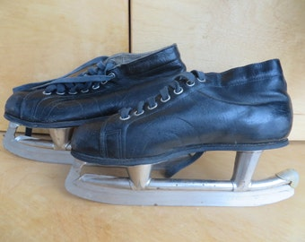 Russian vintage leather hockey skates. USSR vintage Gagi. Soviet vintage shoes 1970s. Hockey equipment Hockey Ice Skating Antique ice skates