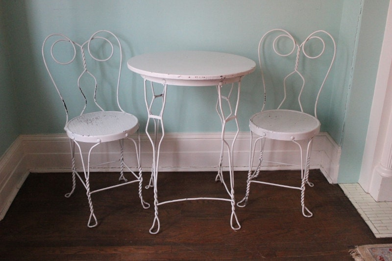 🔎zoom - Vintage Ice Cream Parlor Table Chair Wrought Iron Shabby Chic