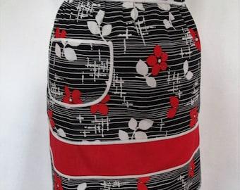 Half APRON 1970's VINTAGE Black, white & red COTTON Pinny Hostess Kitchen Retro
