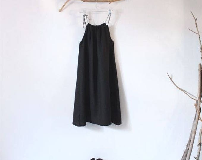 slight gathering linen sun dress knee length made to order / slim fit halter dress / linen summer dress / sleeveless dress / beach dress