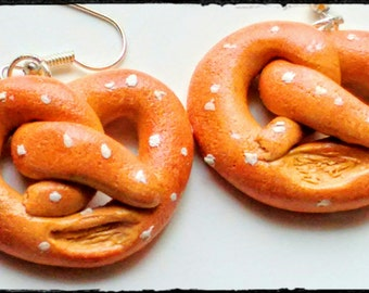 Soft Pretzel Earrings, Miniature Food Jewelry, Junk Food, Inedible Jewelry, Pretzel Jewelry, Kawaii Jewelry, Carnival Food, Kid's Jewelry