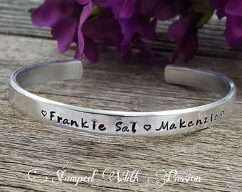 Personalized Cuff Bracelet Mothers day gift for her Grandma bracelet Gift for Mom Kids name jewelry Grandmother bracelet Mother bracelet