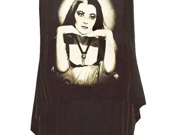 The Munsters Lily Ivonne De Carlo HI-LOW Hem Top T-Shirt Sleeveless Tank