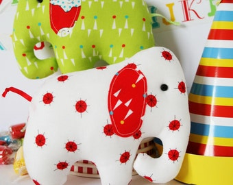 Circus Oli : elephant pattern, elephant PDF, easy elephant sewing, elephant plush, elephant toy, cute elephant, beginner pattern