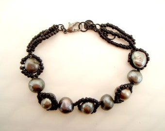 Black Pearl Beaded Bracelet dark and stormy gunmetal cultured dyed pearls and black seed beads bohemian gothic