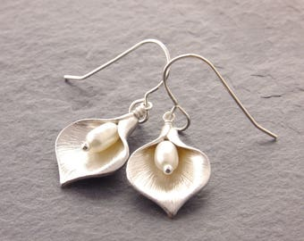 Calla Lily Earrings, flower earrings,mothers day gift, gifts for mom, flower jewelry, mothers jewelry, calla lily jewelry, N6