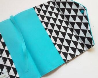 Protège carnet de santé personnalisé, imprimé esprit scandinave vintage de triangles noir et blanc, protège carnet santé mixte