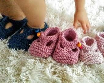Mary Jane T-strap Crib Shoe knitted for Baby