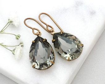 Black Diamond Crystal Earrings Dangle, Grey Earrings, Swarovski Crystal Jewelry, Grey Drop Earrings, Grey Rhinestone Earrings Silver, Gwen