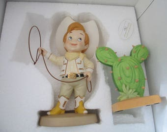 "Disney collectible ""Howdy Partner and Catus "" It's a small World WDCC 40th anniversary  porcelain figurine"
