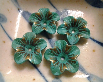 Handpainted Verdigris Patina Flower cap charms (18019) - 18x17mm