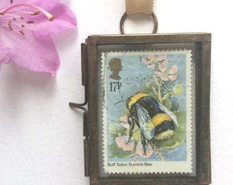 Bee Gift - Bumble Bee Art - Bee Wall Art - Bee Decor - Bee Keeping - Bee Keeper - Nature Lover Gift - Bumble Bee Decor - Bee Happy - Vintage