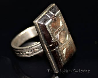 Tuareg Silver Ring, US9,5, Ebony Ring, Vintage African Jewelry from the Sahara Desert, Ethnic Berber Silver Jewelry