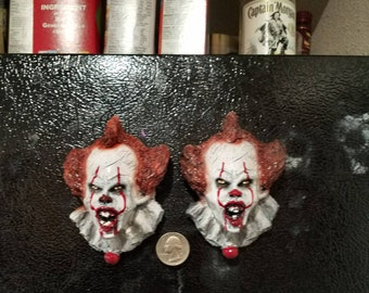Angry face pennywise magnet from IT