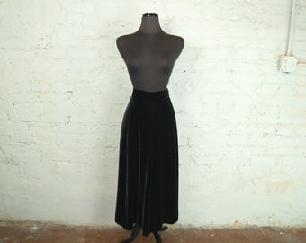 Vintage 1980s JH Collectibles Black Velvet Maxi Skirt (Size 12)