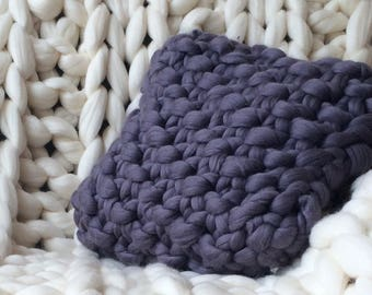 Chunky Knit Pillow - Hand Knitted Pillow - Chunky Pillow - Home Warmer- Decorative pillows - guest room decor - Soft wool pillowcase