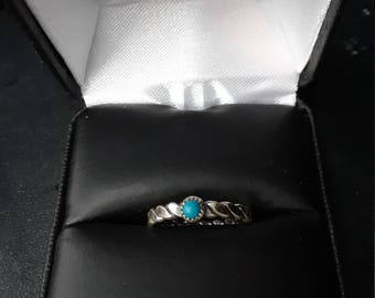 Vintage unmarked but believed to be Esposito sterling simulated turquoise ring
