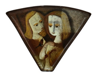 Pillin Pottery Two Ladies And A Bird Tray