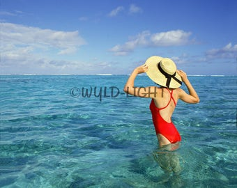 A Model in the Clear Waters of Bora Bora, Tahiti! MS-196 Modern Wall Art Home Decor Art Modern Art Canvas Art Modern Photography