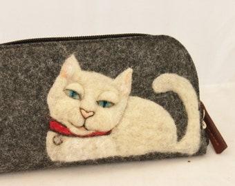 Cat Wallet,Needle Felted wallet, Felted Wallet,  White Cat Wallet, Needle felted Clutch Wallet #3422