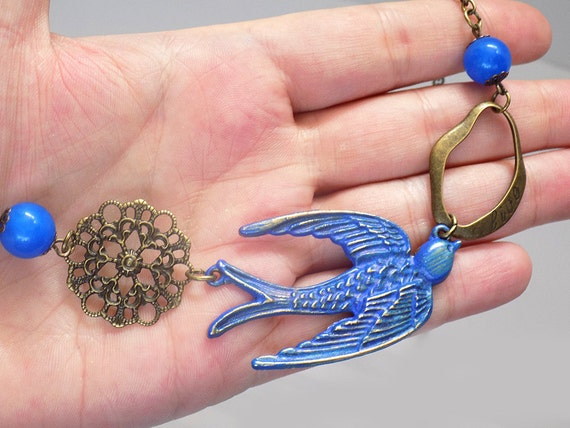 hanid painted bird sparrow necklace
