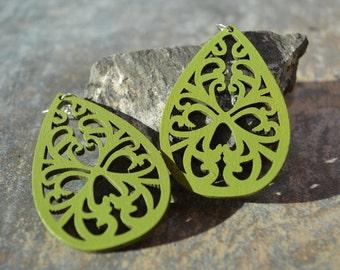 Green Earrings, Wood Earrings, Boho Wood Earrings, Filigree Earrings, Green Wood Earrings, Boho Earrings, Teardrop Earrings