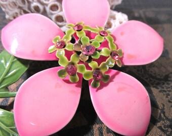 Enamel Flower Pin VINTAGE Rhinestone Pink Enamel Pin Brooch FLOWER Enamel Flower Pin Brooch Ready to Wear Vintage Jewelry Supply (Y309)