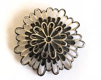 Vintage - Brooch - Pin - Flower