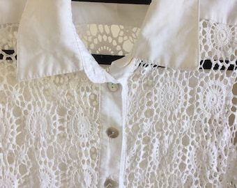 Women's white vintage blazer with collar it's good for the summer or beach