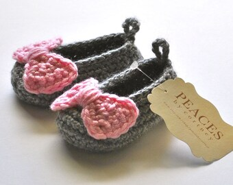 Baby Shoes - Gray Baby Slippers with Pink Bows