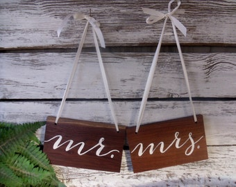 Mr and Mrs Sign, Wedding Sign, Sign for Mr and Mrs, Photo Prop, Chair Signs, Wedding Signs