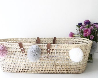 "Bassinet ""Moses"" baby (80x40cm), wool and tulle PomPoms and leather handles"