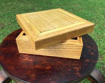 Handmade wooden oak box with walnut and oak design inlay for keepsake/jewelry