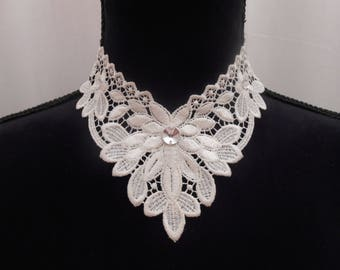 Necklace in ivory lace with Swarovski Crystal rhinestones