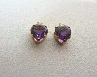 Pr Vintage Estate 10K Gold Stick Earrings w/ Amethyst Heart Stones, 1.0g E3330