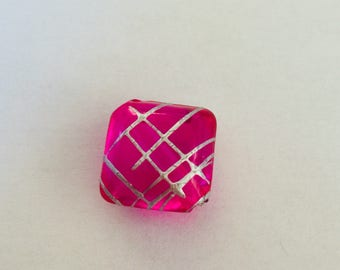 Bead (one) (curved) square rose 14 mm