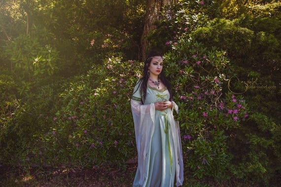 Huntress Dress ~ Handmade Medieval Pre Raphaelite Pagan Dress