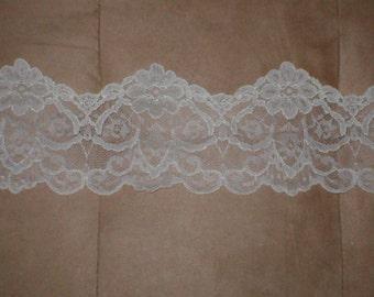 Ivory Vintage Lace Border Trim