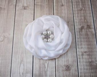 Blanc fleur de cheveux Bridal fleur - bibi - - vous choisissez strass ou perle strass accent - Wedding Bridal Flower Girl