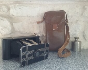 Vintage KODAK Jiffy camera series Six - 16 by folding bellows - with original case / 1940s, Made in USA
