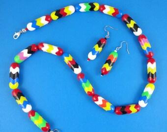 Funky Rainbow Necklace - interlocking beads, retro plastic beads, zigzag chevron, retro hippy colorful, multicoloured, Harajuku Decora, fun!